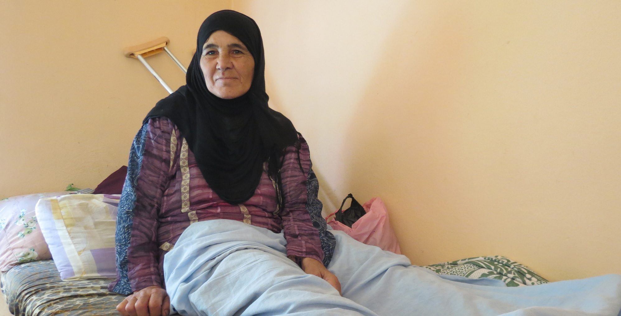 This 60-year-old woman from Lebanon was left unable to walk when a bomb injured her leg (c) Claire Catherinet/HelpAge International