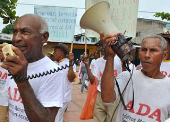 Older campaigners in Latin America demands their rights. (c) HelpAge International