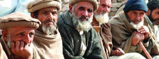 Older men in Pakistan. (c)HelpAge International.