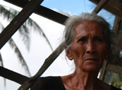Anacleta, 77, her house is almost completely collapsed due to Typhoon Haiyan (c) Rosaleen Cunningham/HelpAge International