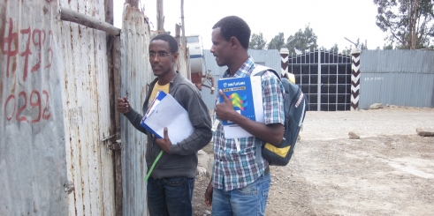 Anteneh and Emagnineh knock on doors in Addis Ababa, Ethiopia to collect data (c) Pascale Fritsch/HelpAge International