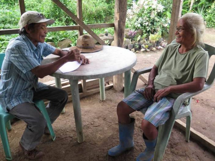 Older volunteer in the Philippines. Photo (c) Rosemarie Capin Placencia/HelpAge International