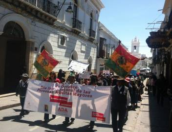 350 older activists marched on the streets of Bolivia to demand their rights.