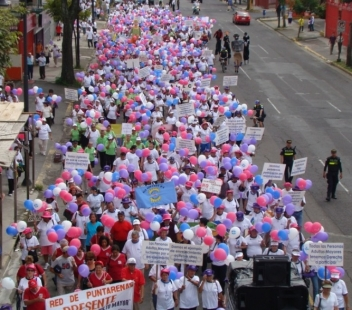 A massive march in San Jose, Asociación Gerontológica Costarricense (the Costa Rican Gerontological Association)