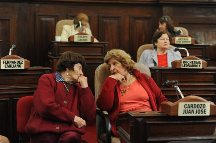 Older women from the La Plata municipality in Argentina (c) HelpAge International