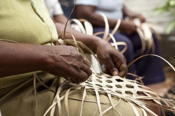 Basket-weaving respite for those who have been displaced