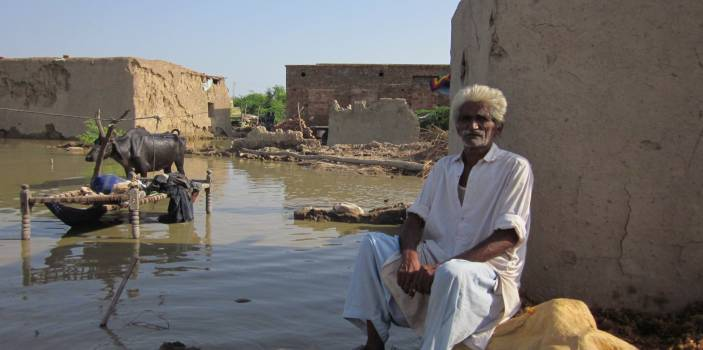 Abdul lost his home in Pakistan to a flood (c) Marcus Skinner/HelpAge International