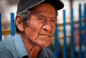 Vicente, 67, is registered in the health insurance scheme for older people.