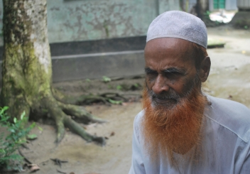 An older man from Bangladesh who told us about the neglect he had suffered.