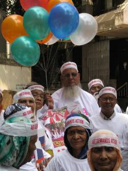 Launching our Age Demands Action campaign on Health in Bangladesh! (c) HelpAge International