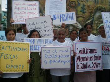 Age Demands Action campaigners in Bolivia. (c) HelpAge International