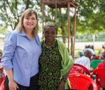 Kate meets with Elizabeth Nkwera, a local volunteer. (c) VClick Concepts