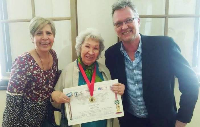 Maria Tila Uribe accepts her International Prize for Peace and Defence of Human Rights