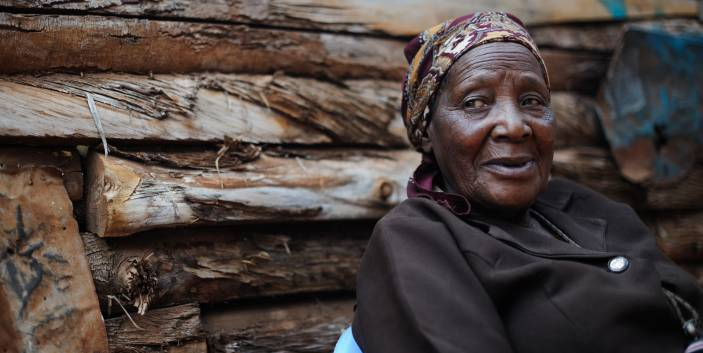 Older men and women in Uganda risk being pushed further into poverty (c) Phil Moore/Age International