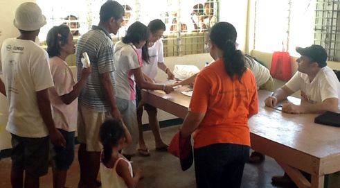 HelpAge and COSE are giving cash transfers to 377 vulnerable people affected by Typhoon Haiyan.