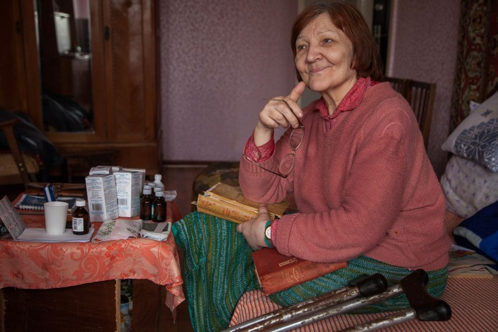 Like the couple who had to leave their home in Ukraine, Svetlana has mobility issues (c) Ermishin Oleg /HelpAge International