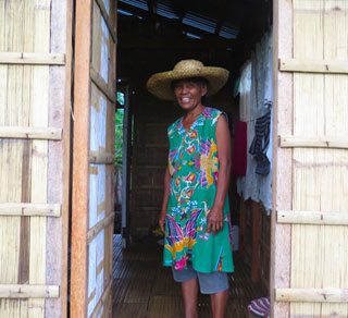 We provided Erlinda with a cash grant so she could restart her small food store. (c) Al Casal