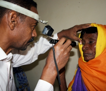 HelpAge has helped thousands of older people in Sudan get free treatment at mobile eye clinics.
