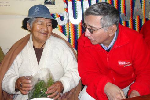 Francisco Roque with an older woman in La Paz, Peru.