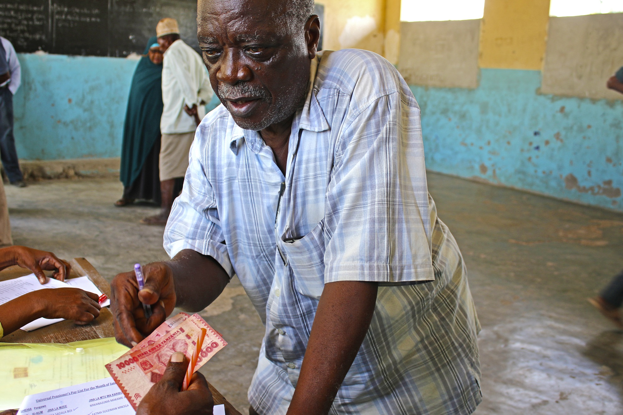 Everyone aged 70 and over Zanzibar have been receiving a pension since April 2016 (c) Ben Small/HelpAge International