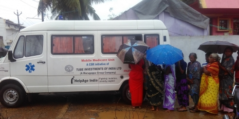 HelpAge India medicare van delivers relief to older people affected by floods across Tamil Nadu state (c) HelpAge India