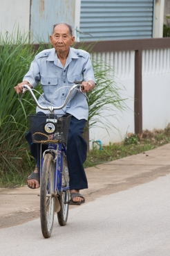 Moon, 88, from Thailand enjoys an active lifestyle (c) Robin Wyatt/HelpAge International