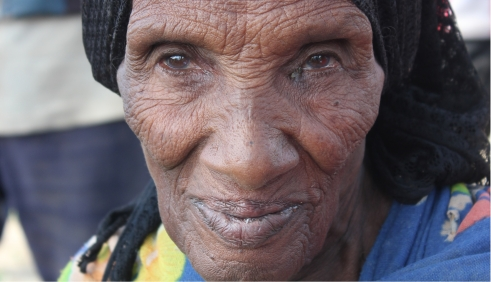 Older woman from the drought-afflicted Ziway Dugda district in Ethiopia (c) Erna Mentesnot Hintz/HelpAge International