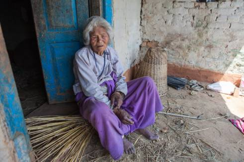 Chandramati, 91, has lived through two huge earthquakes.  (c) Guido Dingemans/HelpAge International
