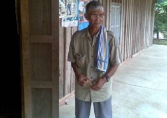 Roueng from Cambodia is the leader of his local older people's association. (c) HelpAge International