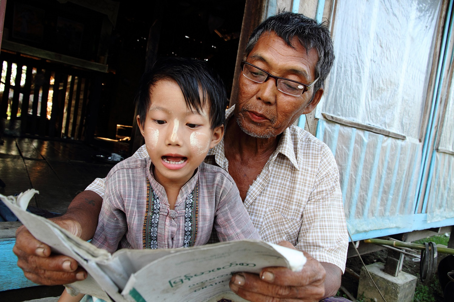U Myint Shwe is able to farm again and support his family after we helped him receive glasses (c) U Myo Thame/HelpAge International