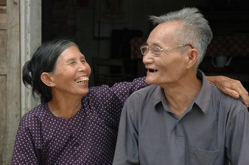 Van Quang and Thi Tu care for their son who is HIV positive