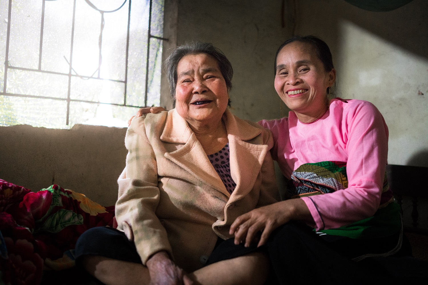 Older women at an intergenerational self-help club in Vietnam (c) Brayden Howie/HelpAge International