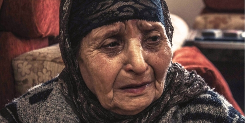 Warda is an 85-year-old refugee from Syria living in Tyre, Lebanon (c) Sandra Kastoun